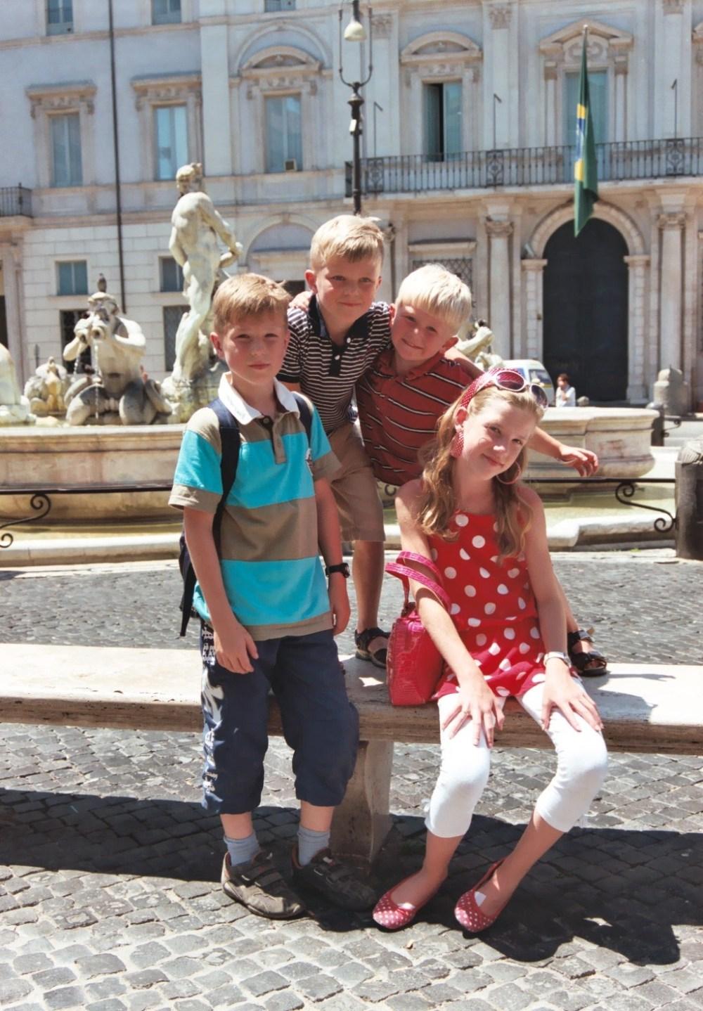 Onze vier kids in Rome afgelopen zomer