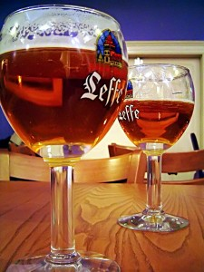 Een biertje en een gesprek over geloof en het leven