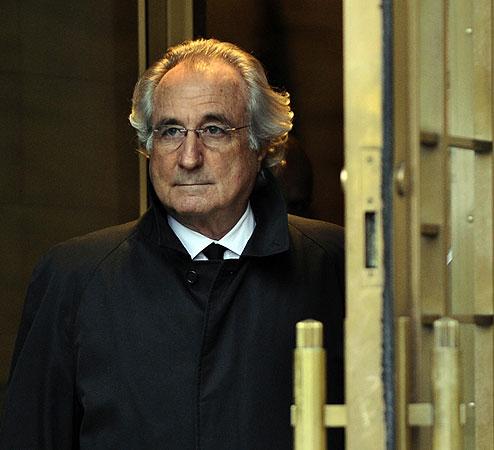 Madoff zoals hij oa voorop de nrc.next stond 29 juni 2009